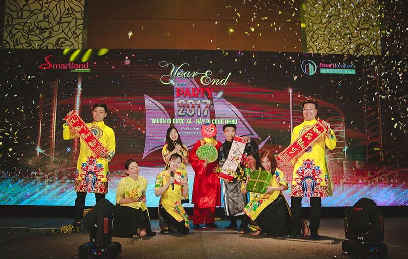 diem lai khoanh khac year – end – party cua dai gia dinh smartrealtors and partners 10