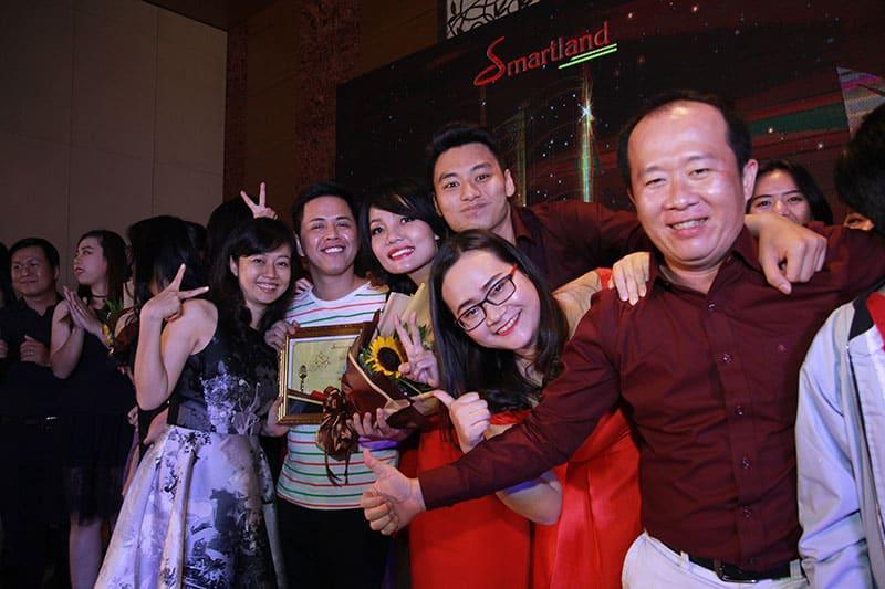 diem lai khoanh khac year – end – party cua dai gia dinh smartrealtors and partners 13