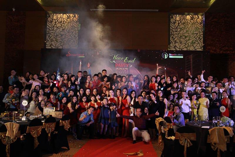 diem lai khoanh khac year – end – party cua dai gia dinh smartrealtors and partners 15