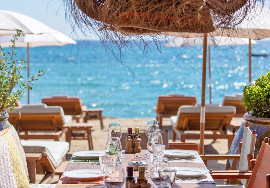 Nhà hàng mặt biển