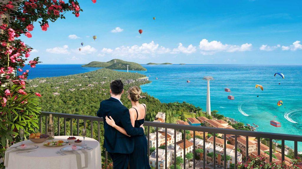 Tầm nhìn 360 độ thu trọn cảnh vật tuyệt đẹp từ ban công căn hộ Hillside Nam Phú Quốc