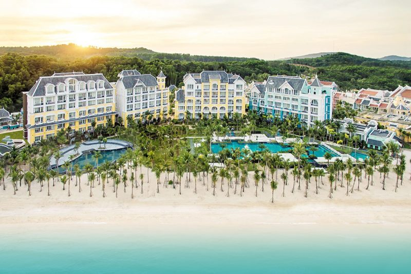 JW Marriott Phu Quoc Emerald Bay trở thành nơi tổ chức đám cưới kéo dài 7 ngày đêm của một cặp đôi tỷ phú Ấn Độ năm 2019