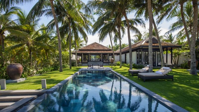 Phoi canh villa ven bien Resort Four Seasons The Nam Hai Hoi An